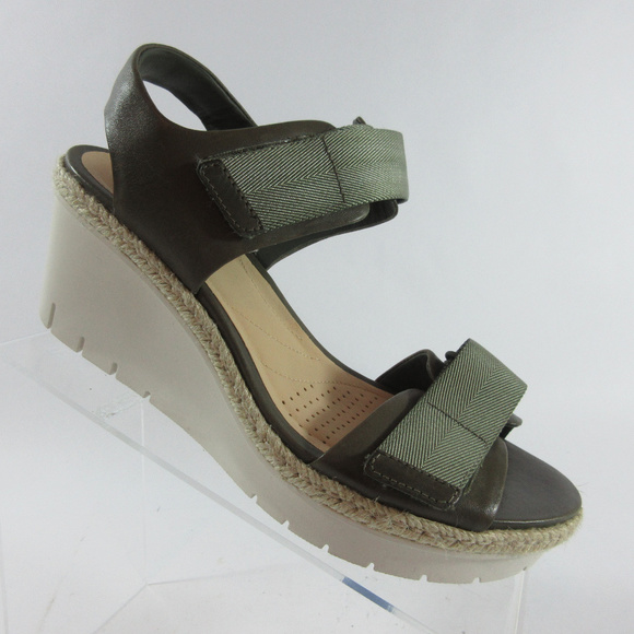 60fcb5c89e6 Clarks Artisan Palm Shine Leather Wedge Sandals